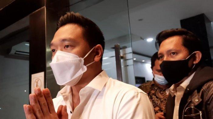 Michael Yukinobu De Fretes saat menyampaikan permohonan maaf usai menjalani pemeriksaan di Direktorat Reserse Kriminal Khusus Polda Metro Jaya, Senin (4/1/2021).