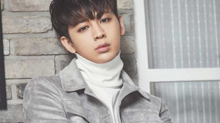 Yunhyeong iKON Ikut Terjerat Skandal Bullying, Mantan Teman Sekelasnya Membela