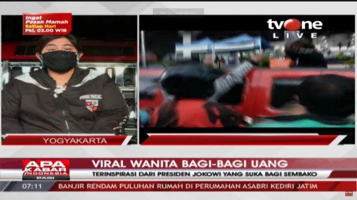 Yuni Astuti, perempuan yang videonya viral saat membagikan uang kepada pengguna jalan