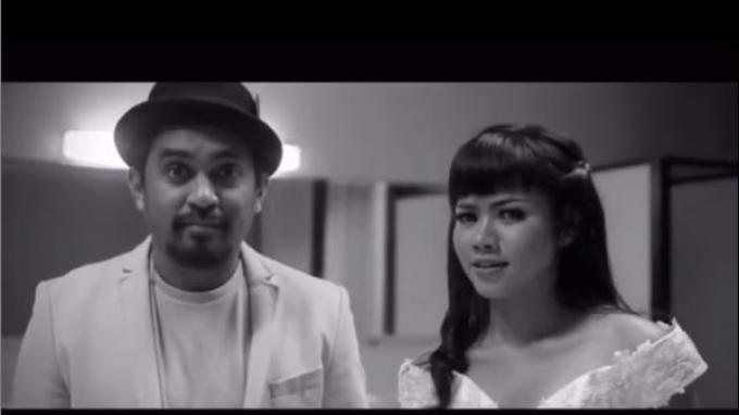 Yura Yunita Unggah Video Duet Bersama Mendiang Glenn Fredly: Ngga Nyangka Ini Panggung Terakhir Kita