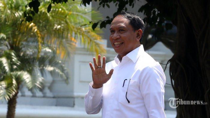 Politisi Partai Golkar Zainudin Amali tiba di Kompleks Istana Kepresidenan, Jakarta, Selasa (22/10/2019). Menurut rencana, presiden Joko Widodo akan memperkenalkan jajaran kabinet barunya kepada publik hari ini usai dilantik Minggu (20/10/2019) kemarin untuk masa jabatan periode 2019-2024 bersama Wakil Presiden Ma'ruf Amin. TRIBUNNEWS/IRWAN RISMAWAN