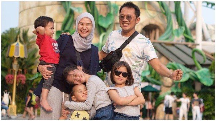 8 Bulan Tak Bisa Nonton di Bioskop, Hanung Bramantyo Bikin Bioskop Sendiri di Rumah Jogja