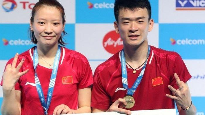 Pasangan ganda campuran nomor satu dunia asal China, Zheng Siwei/Huang Yaqiong.