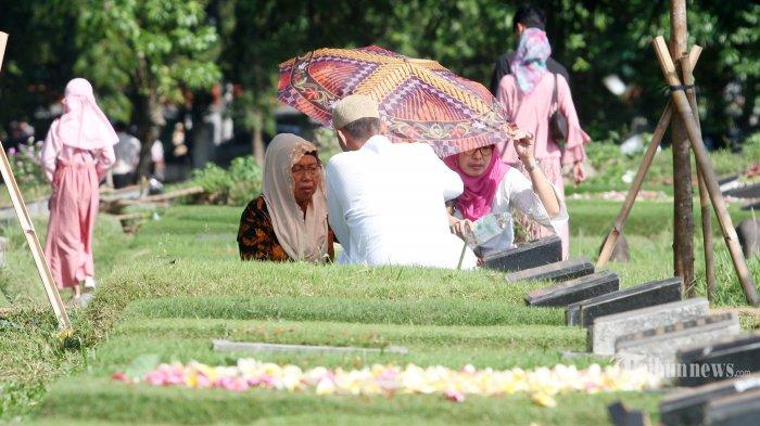 Polda Metro Jaya Imbau Warga Tidak Lakukan Tradisi Nyekar pada Lebaran Tahun Ini