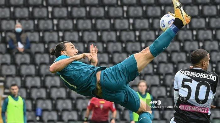 zlatan-ibrahimovic-cetak-gol-akrobatik-saat-ac-milan-bersua-udinese.jpg
