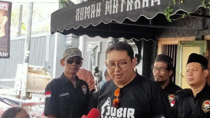Wakil Ketua Umum Gerindra Fadli Zon saat ditemui di rumah Ahmad Dhani di Pondok Indah, Jakarta Selatan, Senin (30/12/2019)