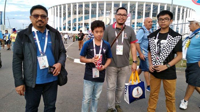 Anggota DPR RI ini ke Piala Dunia Rusia demi Cucu
