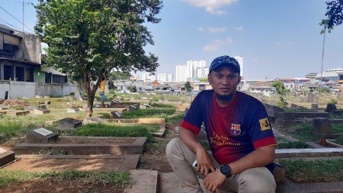 Cerita Tukang Rawat Kuburan Alami Penurunan Pendapatan Jelang Ramadan Akibat Corona