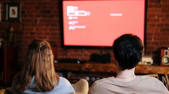 Siaran TV Akan Beralih ke Digital, Apa Keuntungan Bagi Penonton?