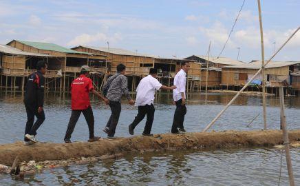 20121018_Jokowi_ke_Marunda_7354.jpg