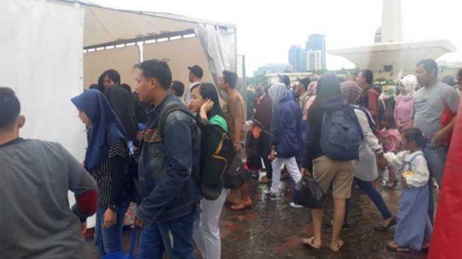Bila sudah 2.600 Orang, Pengunjung Tak Lagi Bisa Naik Tugu Monas