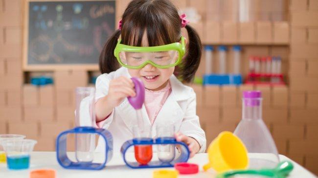 4 Tips Ajarkan Kecerdasan Intelektual untuk Tumbuh Kembang Anak