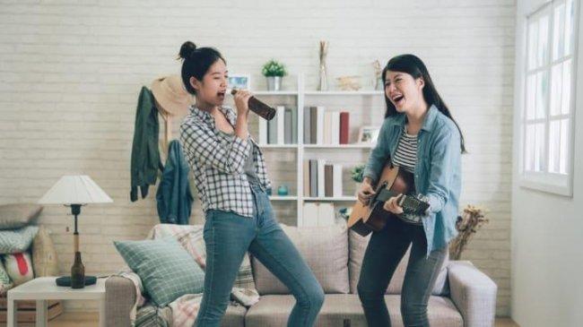 5 Cara Membuat Video TikTok yang Bisa Kamu Lakukan Bareng Sahabat