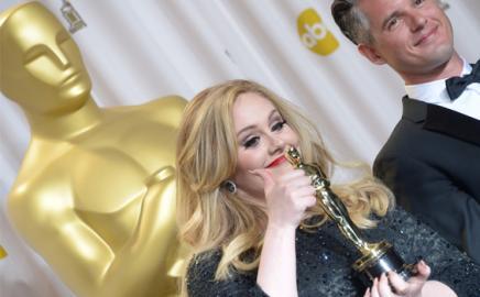 Raih Oscar, Adele Ukir Sejarah Baru Soundtrack Film James Bond
