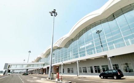 Antrean di Bandara Panjang,  Wakil Ketua DPRD Sumatera Utara Bercanda Bawa Bom