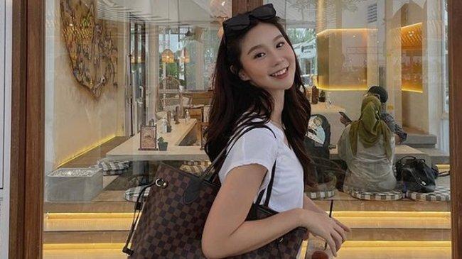 Mengenal Influencer Cantik Abigail Gusmawan, Punya Hobi Unik, Pelihara Kepiting hingga Tarantula