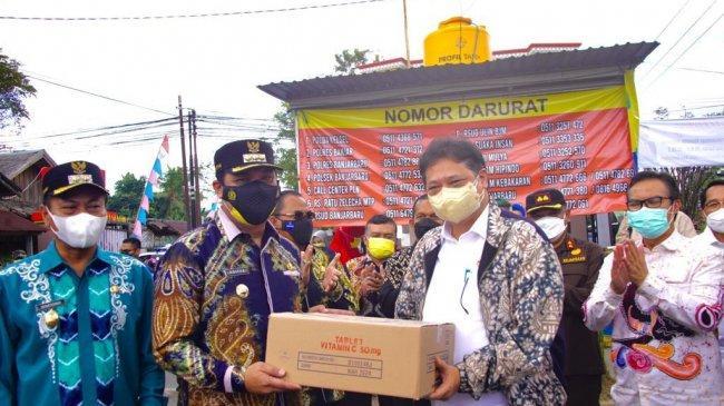 Menko Airlangga: Suplai Vaksin untuk Kalimantan Selatan Segera Ditambah