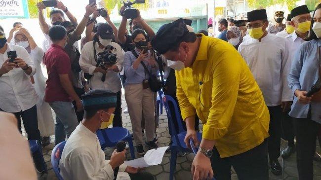 Lestarikan Tradisi Ya Qowiyyu, Airlangga Tinjau Vaksin Berbasis Pesantren di Klaten