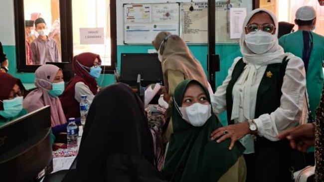 Sukseskan Vaksinasi Nasional, Nur Nadlifah Gelar Safari Vaksin