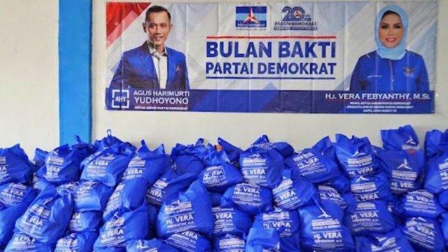 Rayakan 20 Tahun Partai Demokrat, Vera Febyanthy Bagikan 5.000 Paket Sembako
