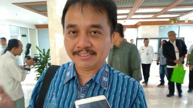 Roy Suryo Bingung Muncul Spanduk Tolak Nobar Film G30S PKI: Aneh, Tidak Ada Juga yang Paksa Menonton