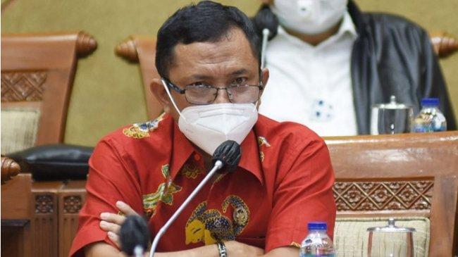 Minta Mabes Polri Usut Kasus Bocornya Sertifikat Vaksin Presiden Jokowi