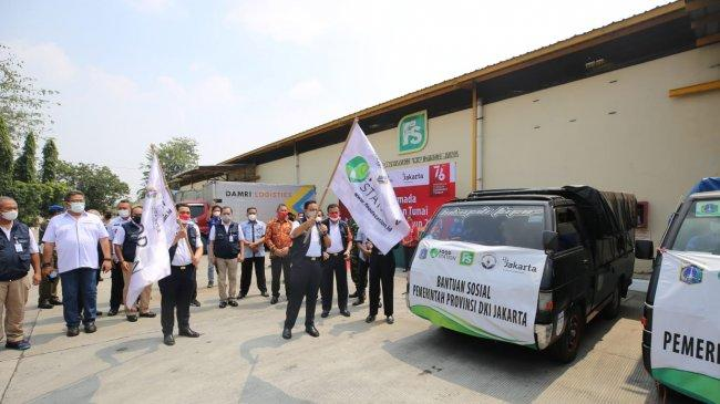 Bantu Warga Terdampak Covid-19, Pemprov DKI Salurkan Bansos Tunai hingga Beras Premium