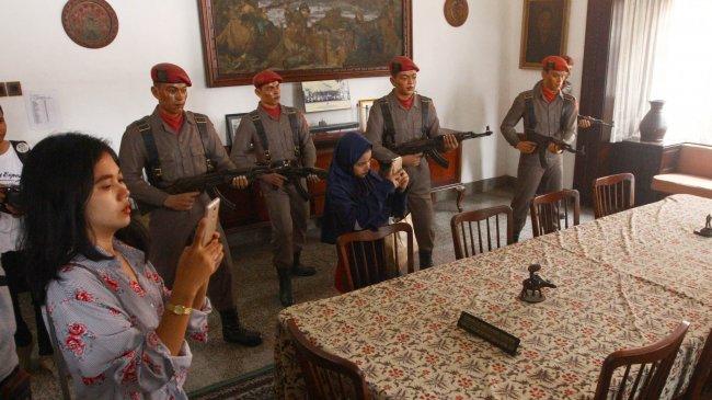 Sejarah Terbentuk dan Bubarnya Resimen Cakrabirawa, Pasukan yang Menculik 7 Jenderal dalam G30S