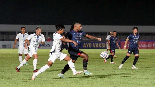Hasil Klasemen BRI Liga 1 - PSIS Geser Persib, Persebaya Zona Merah, Arema & Persela di Papan Bawah