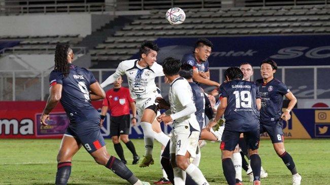 Noda Arema FC di BRI Liga 1 - Singo Edan Belum Pecah Tiga Poin, Posisi Almeida dalam Tekanan