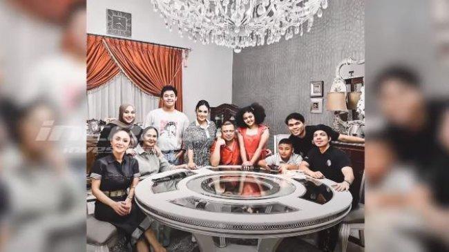 Pertama Kali Ketemu Raul Lemos, Atta Halilintar Ungkap Rasa Bahagia Kumpul dengan Keluarga Aurel