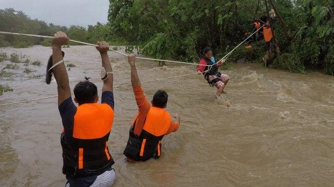 Filipina Diterjang Topan Kompasu, Setidaknya 9 Orang Tewas dan 16 Lainnya Hilang