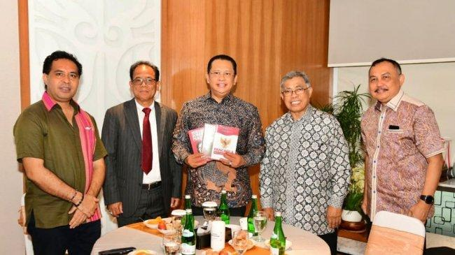 Bamsoet Apresiasi Buku 'Pancasila Dasar Filsafat Bangsa Indonesia' KaryaYoseph Umarhadi