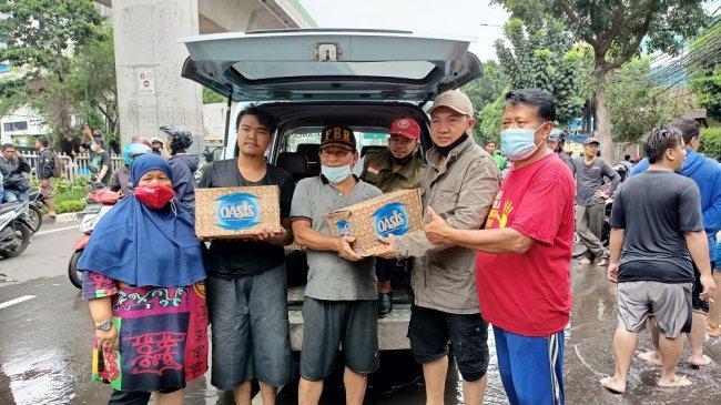 P2M2P Membantu Korban Banjir di Tendean Jakarta Selatan