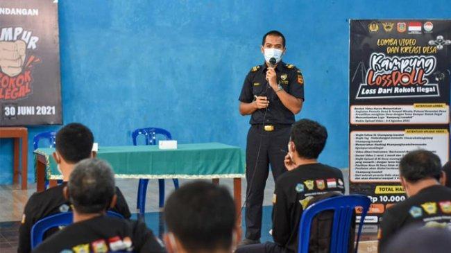 Terjun ke Masyarakat, Bea Cukai Bahas Bahaya Rokok Ilegal dan Pemanfaatan DBHCHT