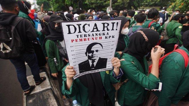 Berniat Tarik Eks 56 Pegawai KPK, Guru Besar UGM: Kapolri Secara Tak Langsung Akui TWK Tidak Relevan