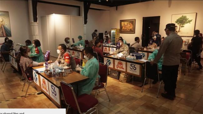 Dukungan Polri dalam Vaksinasi Covid-19 untuk 10.000 Pekerja Media di Hari Bhayangkara