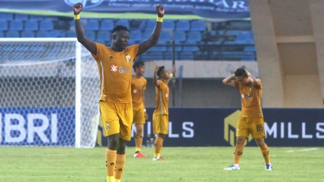 bhayangkara-fc-vs-madura-united-di-laga-bri-liga-1-2021-2022_20210918_183540.jpg