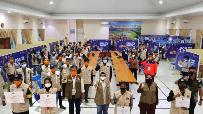 BNPB Beri Penghargaan kepada 445 Relawan Protokol Kesehatan PON XX