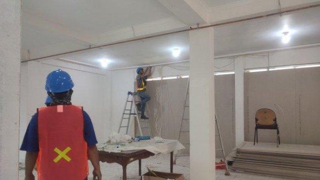 Renovasi Asrama Haji Pondok Gede Dikebut untuk Lokasi Isolasi Mandiri Pasien Covid-19