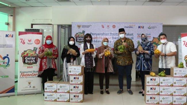 KAI Group Kirim Paket Buah Senilai Rp 50 Juta ke Para Tenaga Kesehatan