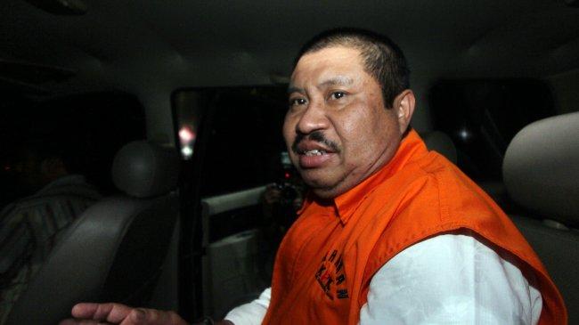KPK Jebloskan Eks Bupati Bengkalis Amril Mukminin ke Rutan Pekanbaru
