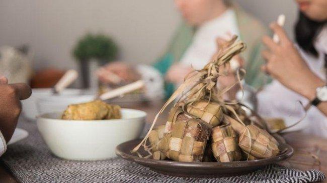 Cegah Kolesterol Tinggi saat Lebaran, 5 Asupan Ini Harus Ada di Meja Makan!