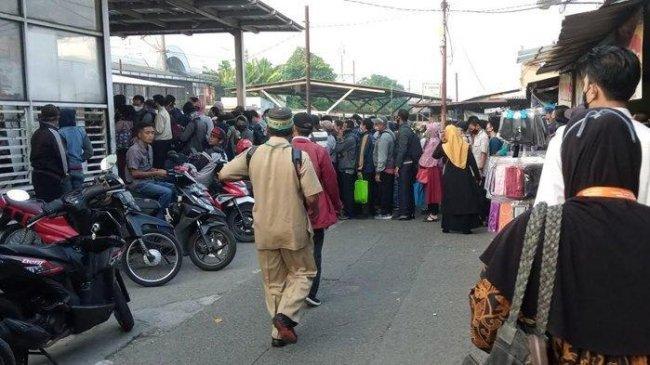 Senin Pagi, Jumlah Penumpang KRL Tembus 111.721 Orang, Lonjakan di Stasiun Citayam
