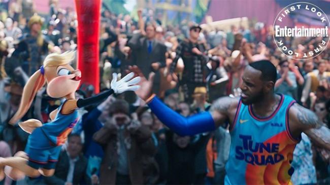 Film 'Space Jam: A New Legacy', Aksi LeBron James Bertanding Melawan Putranya di Dunia Game