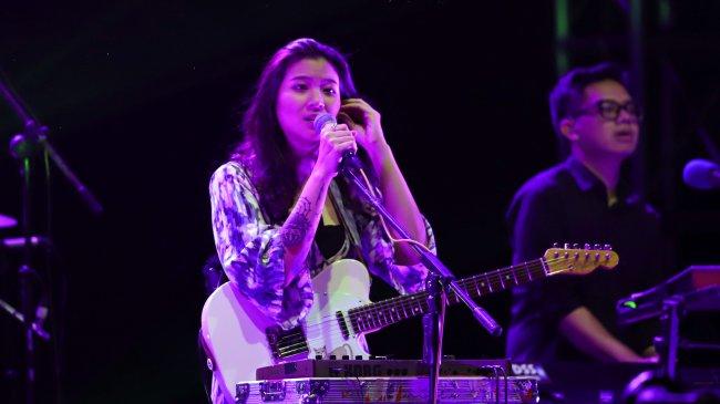 Chord Gitar dan Lirik Lagu Senja Di Ambang Pilu - Danilla Riyadi: Kunci Mudah Dimainkan