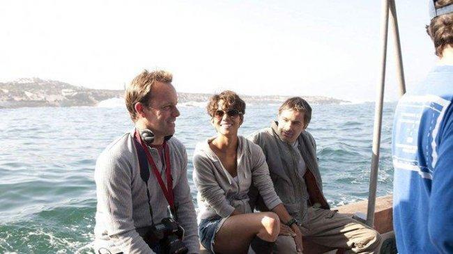 Sinopsis Film Dark Tide, Aksi Halle Berry Melawan Hiu Putih, Tayang di Trans TV Malam Ini
