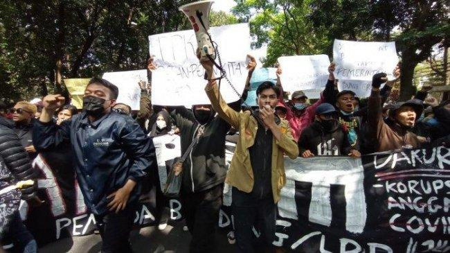Demo Tolak PPKM Darurat: Perusuh Baju Hitam, Bom Molotov, Diduga Ditunggangi Kelompok Anarko