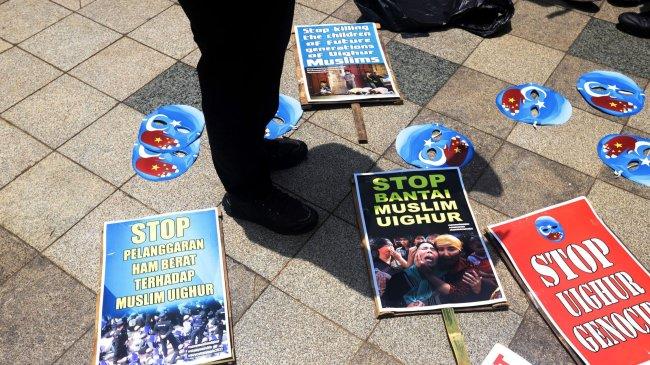 Menlu AS Janji Akhiri Genosida di Xinjiang pada Penyintas Kekerasan dari Etnis Uighur