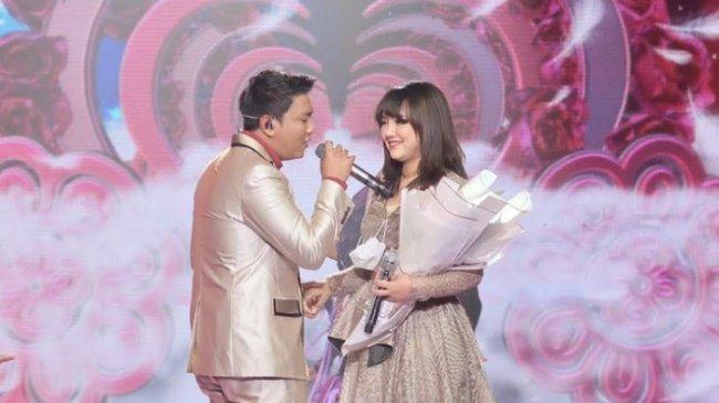 Lirik dan Chord Lagu Satru - Denny Caknan feat Happy Asmara: Tulung Percoyo Aku Sayang Awakmu